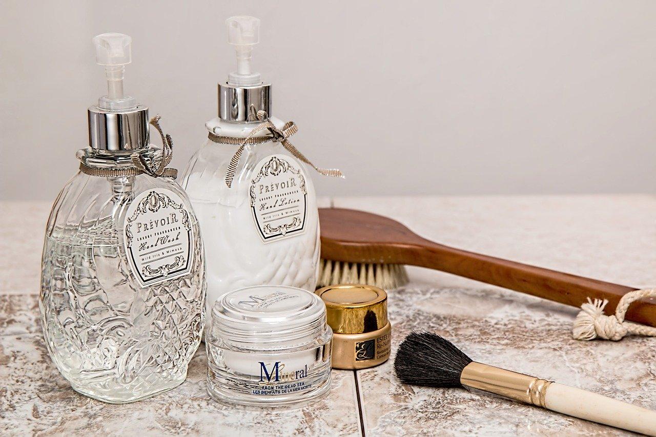化粧水と合わせて『美容液』,『乳液』も使おう!