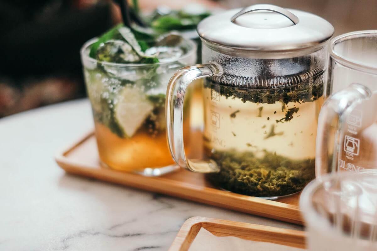 緑茶を飲む際の注意点